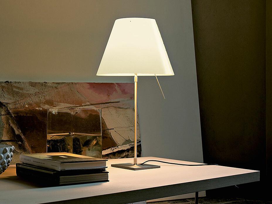 costanza tischleuchte von luceplan ab lager. Black Bedroom Furniture Sets. Home Design Ideas