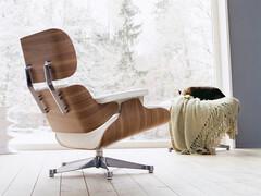 Lounge Chair Höhe 84 cm (Originalhöhe von 1956)   Nussbaum, Bezug Leder weiß